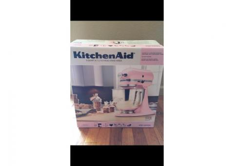Light Pink KitchenAid 5-quart Tilt-Head Stand Mixer